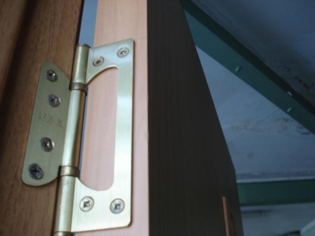 Регулировка фурнитуры на двери