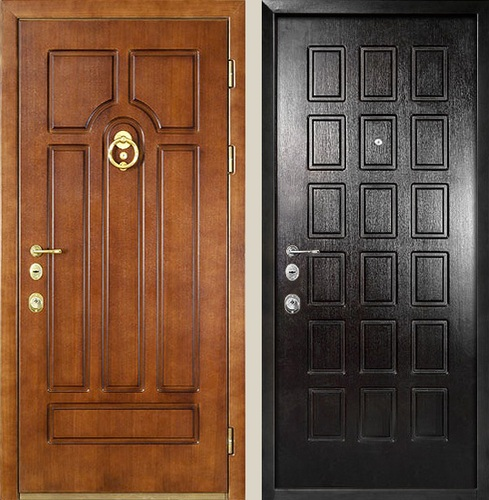железная входная дверь с отделкой шпоном и стеклом на дачу